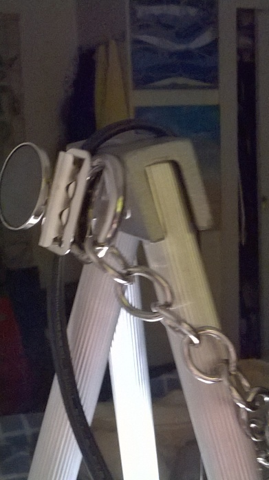 magnetic bulldog clip on easel woth chain and cord